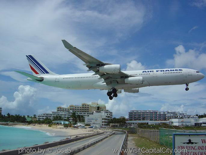 Maho Beach famous airplane landing